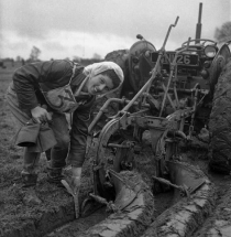 FROM THE BOOK: Queen of the Plough, Muriel Sutton, at the 1959 National Ploughing Champsionship, Kilkenny