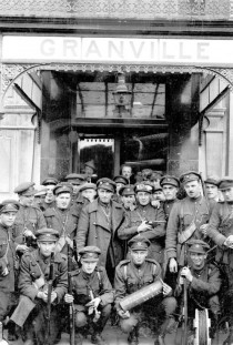 National army soldiers outside the Granville Hotel, July 1922